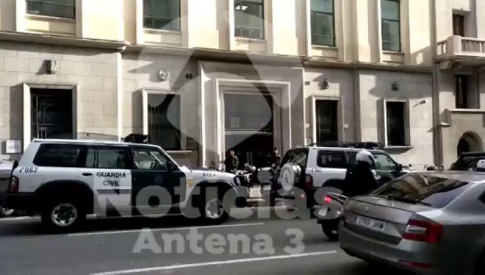 La Guardia Civil registra la Autoridad Catalana de la Competencia por el caso 3%