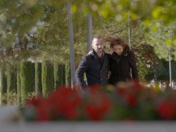 Mónica y Juanra continúan trabajando en su relación