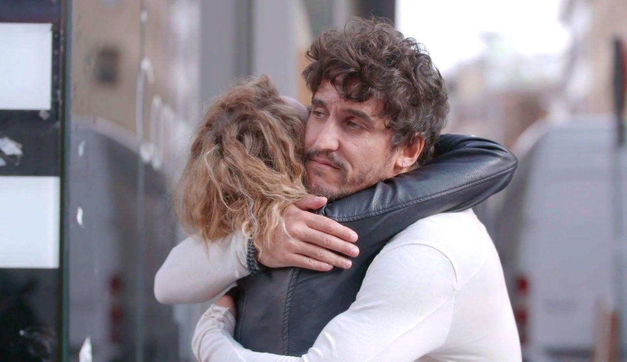 Cómplice despedida de Paloma y Rubén