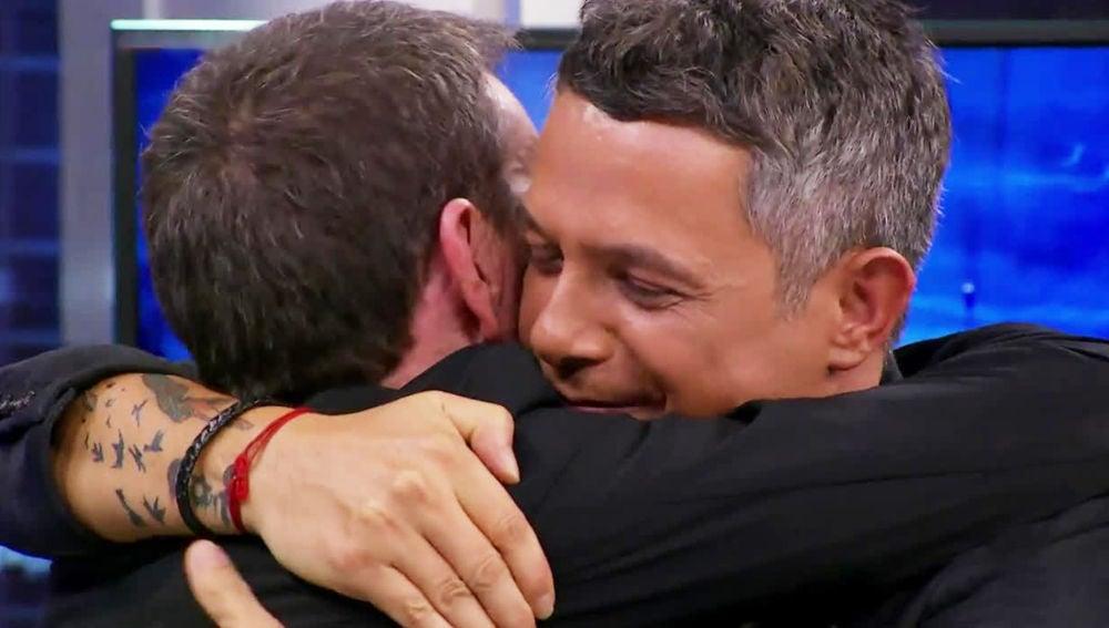 """VÍDEO:  La gran emoción con la que Alejandro Sanz ha visto el vídeo de Stefano: """"Gracias por este vídeo"""""""
