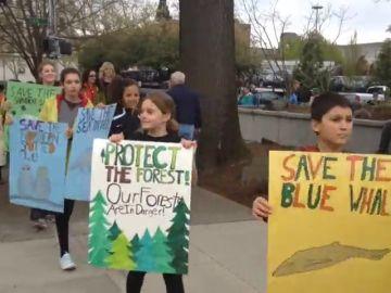 Jóvenes activistas llevan a juicio a Estados Unidos por el cambio climático