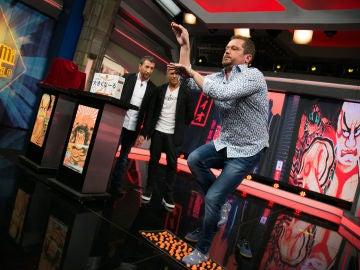 VÍDEO: El Monaguillo derrocha dosis de humor con la visita de Alejandro Sanz imitando las poses de Pablo Motos