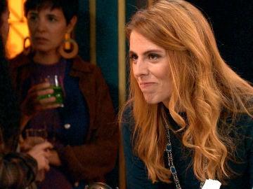 """Sara inquieta a Luisita: """"Seguro que más de una mujer está enamorada de Amelia"""""""