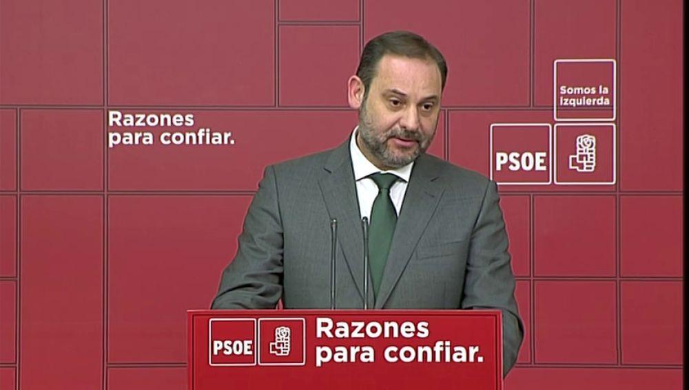 """El propio Gobierno matiza a Sánchez: afirma que la propuesta para revisar la inviolabilidad del Rey es sólo una """"opinión"""" del presidente"""