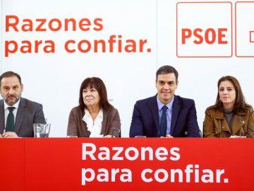 Pedro Sánchez, Cristina Narbona, Adriana Lastra y José Luis Ábalos en la Ejecutiva Federal del PSOE