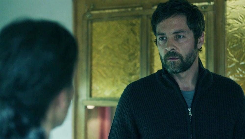 Amaia interroga a Joseba por la muerte de Susana