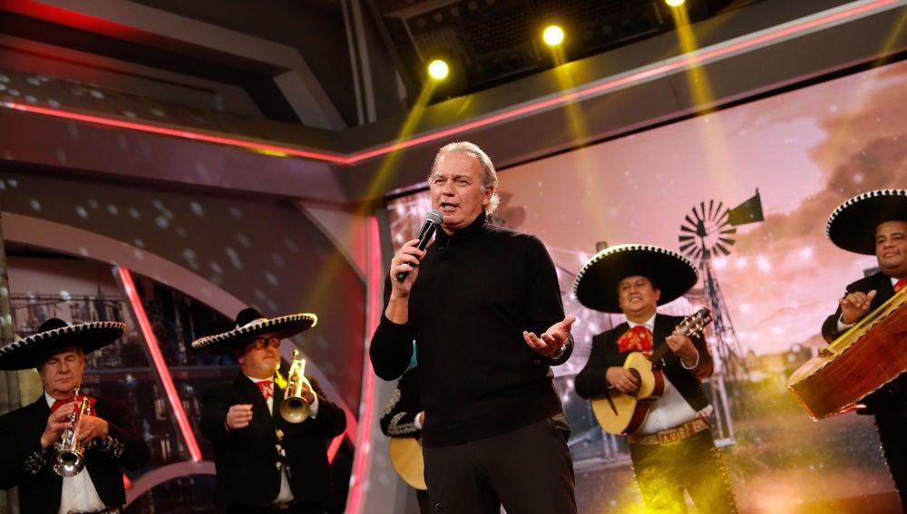 Bertín Osborne cautiva al público de 'El Hormiguero 3.0' cantando su ranchera 'Yo debí enamorarme de tu madre