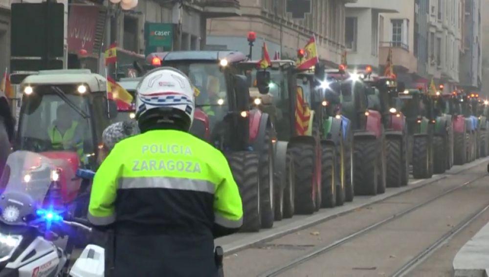 Tractorada contra la subida del gasóleo en Zaragoza