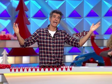 Jorge Fernández baila 'Feliz Navidad' un año más