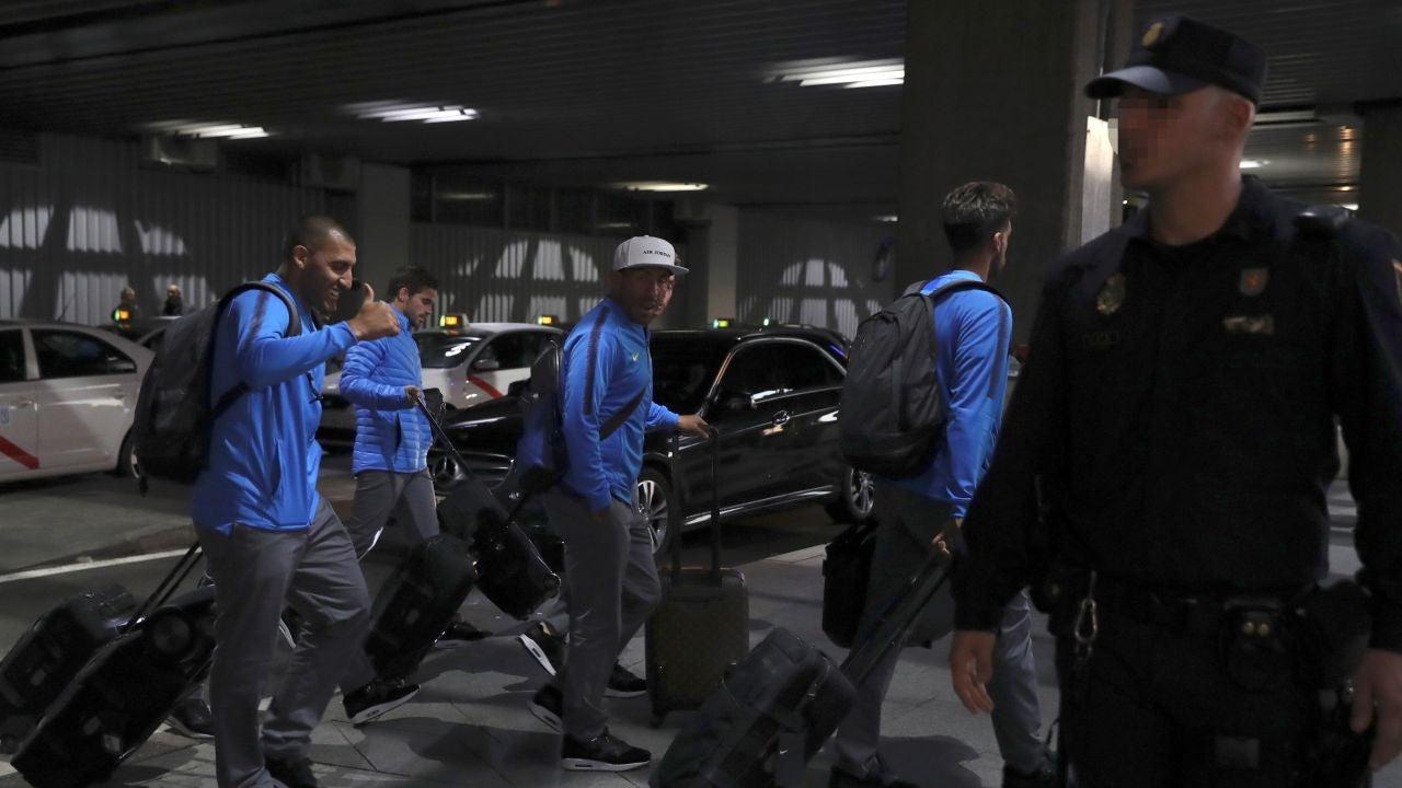 La Plantilla De Boca Juniors Aterriza En Madrid Entre