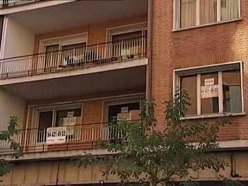Los españoles pagamos en impuestos un tercio de los ingresos