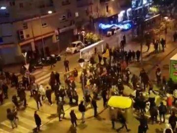 Cinco mossos y dos manifestantes heridos tras las cargas policiales en Terrassa