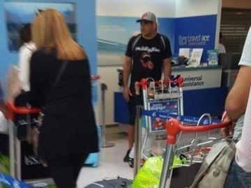 Maxi Mazzaro en el aeropuerto de Madrid antes de volver a Argentina