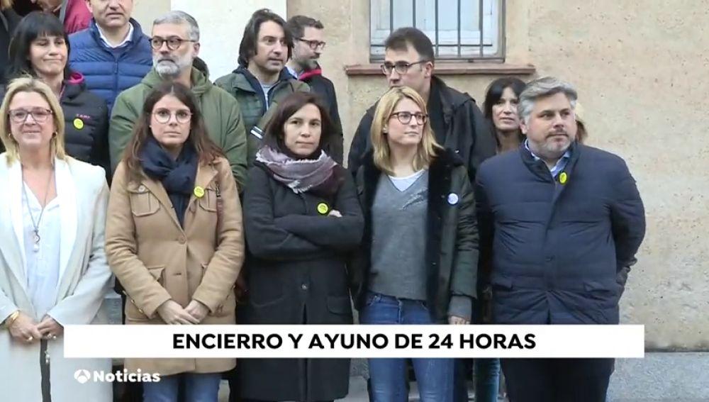 Varios diputados independentistas han iniciado hoy un ayuno de 24 horas