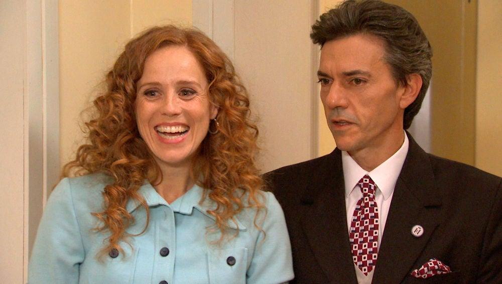 La madre de Natalia se presenta por sorpresa acrecentando la sospechas de Domingo