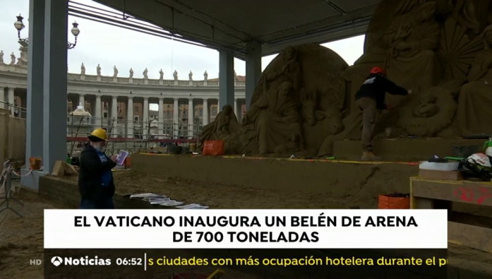 El Vaticano inaugura este viernes el belén de arena en la Plaza de San Pedro, que ha sido realizado por tres escultores especializados