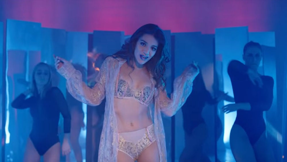 Ana Guerra en el videoclip de 'Bajito'