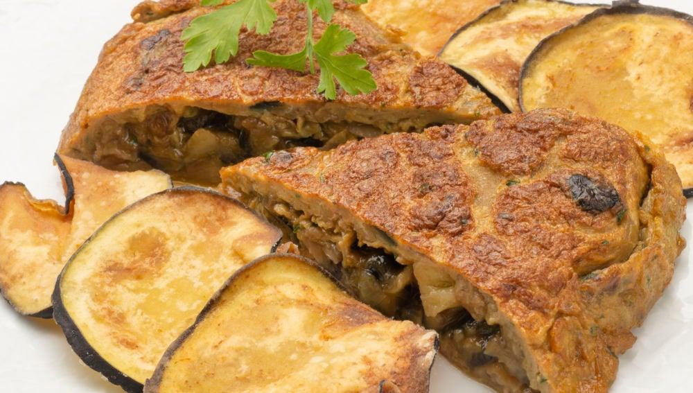 Tortilla de berenjenas con berenjenas crujientes