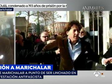 """La impactante agresión de un grupo de antifascistas a Álvaro de Marichalar: """"Me insultaron, me tiraron al suelo y me patearon"""""""