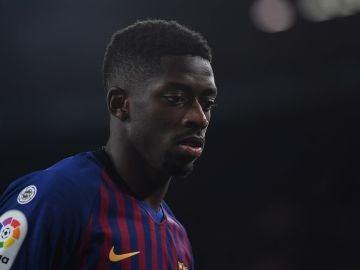 Dembelé, durante un partido con el Barça