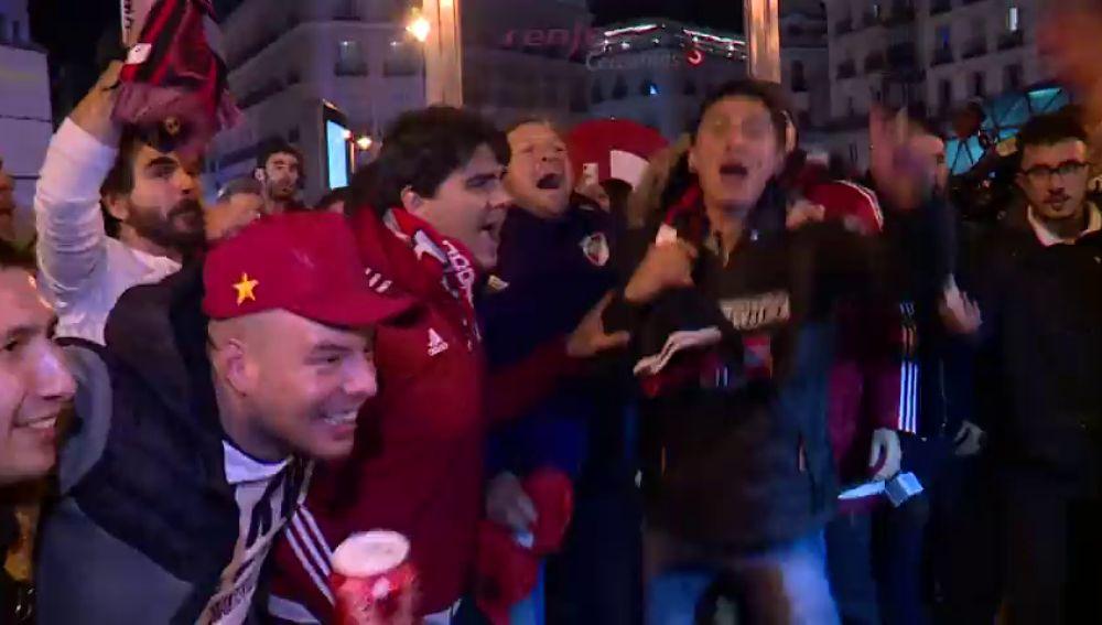 Locura en la Puerta del Sol: así festejaron los hinchas de River Plate en Madrid