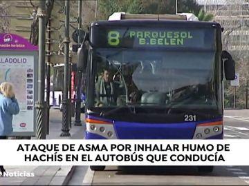 Un conductor de autobús sufre  un ataque de asma por inhalar el humo del hachís de cuatro pasajeros