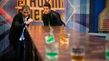 El intenso duelo en una barra de whisky entre Michael Bublé y Pablo Motos en 'El Hormiguero 3.0'