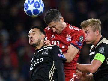 Momento del partido entre Ajax y Bayern