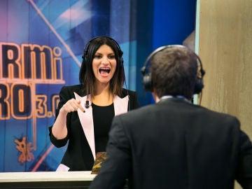¿Serán capaces Pablo Motos y Laura Pausini de comunicarse sin oírse?