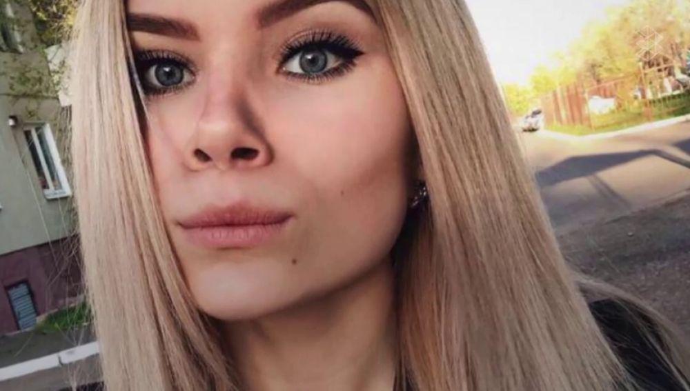 Muere electrocutada una campeona de artes marciales rusa de 15 años cuando cargaba su móvil en el baño