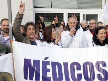 Médicos y personal sanitario del Servicio Gallego de Salud