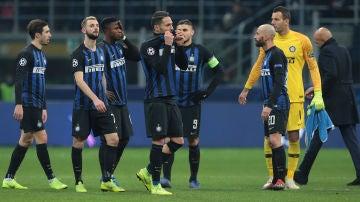 Los jugadores del Inter de Milán, cabizbajos tras el partido