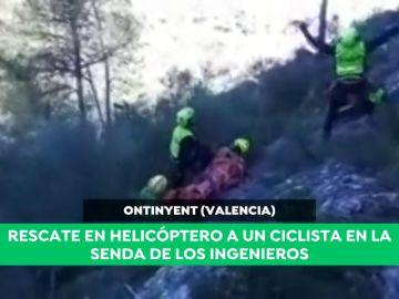 Espectacular rescate en helicóptero a un ciclista que se había caído en Valencia