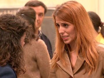 Sara hace creer a Amelia que Luisita no quiere saber nada de ella