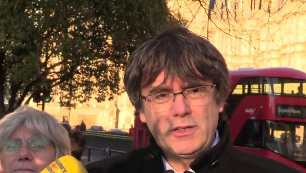 Puigdemont cree que el Consejo de Ministros del 21-D es una 'provocación clara' y hace un llamamiento a la calma