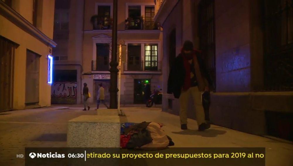 600 voluntarios recorren Madrid para contabilizar a los 'sintecho'