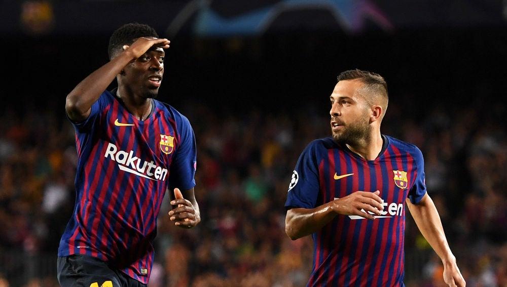 Dembelé celebra un gol junto a Jordi Alba