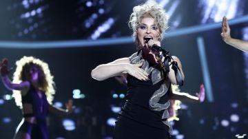 Soraya Arnelas como Kylie Minogue
