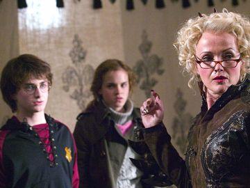Harry, Hermione y Rita Skeeter en 'El Cáliz de Fuego'