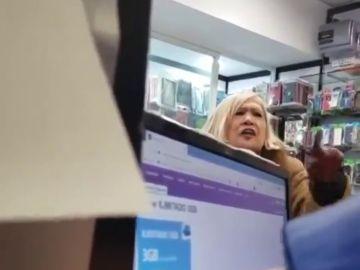 """Episodio racista en una tienda de Madrid: """"Tú no eres nada, los pasaportes y los DNI igual que se dan, se quitan"""""""