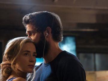 Emily Blunt y John Krasinski en 'Un lugar tranquilo'