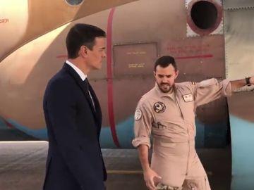 Sánchez viaja por sorpresa a Mali para felicitar la Navidad a las tropas españolas