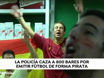 La Policía Nacional caza a 800 bares que emitían fútbol de forma 'pirata'