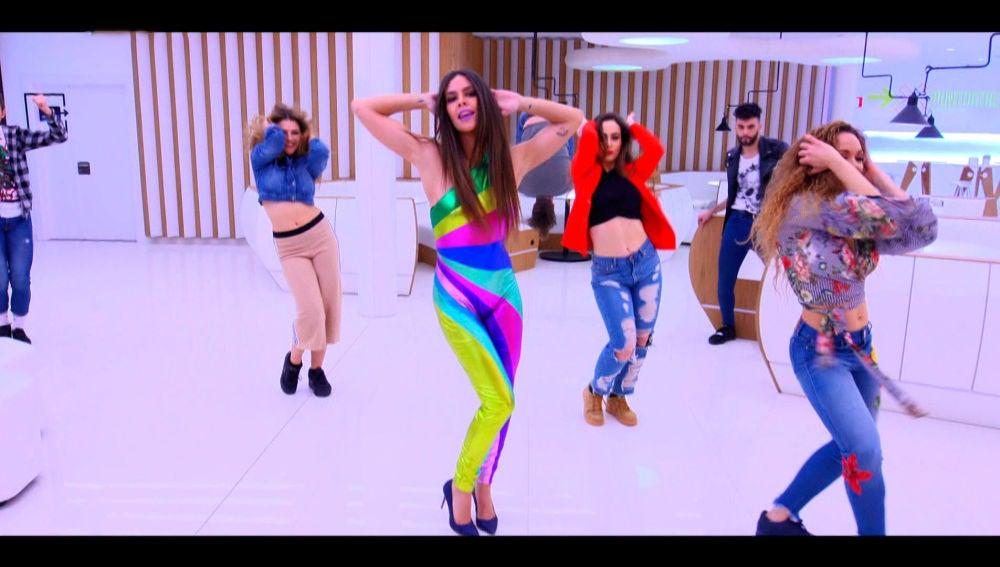 Cristina Pedroche, Chenoa, Carlos Baute y el Sevilla arrancan el programa bailando 'Shake It Off' de Taylor Swift