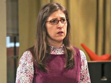 Mayim Bialik como Amy en 'The Big Bang Theory'