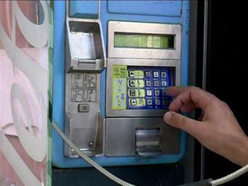 Indultadas: las cabinas telefónicas no desaparecen, de momento