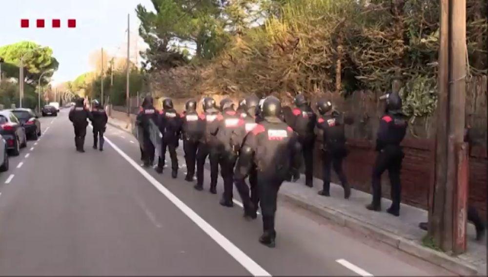 Cae una banda que robaba motos y coches en Barcelona
