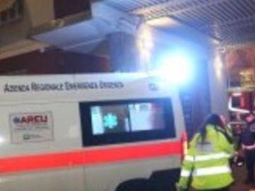 Una ambulancia atiende al aficionado del Inter atropellado