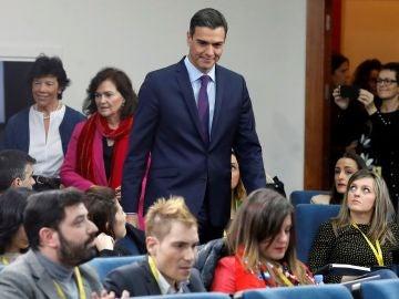 El presidente del Gobierno, Pedro Sánchez, poco antes de su comparecencia ante los medios