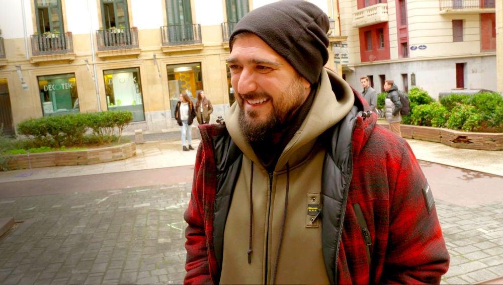 Acompañamos a Antonio Orozco en su cameo en 'Allí Abajo'